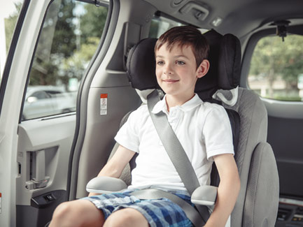 Carriage of the child in the front seat of the car: rules